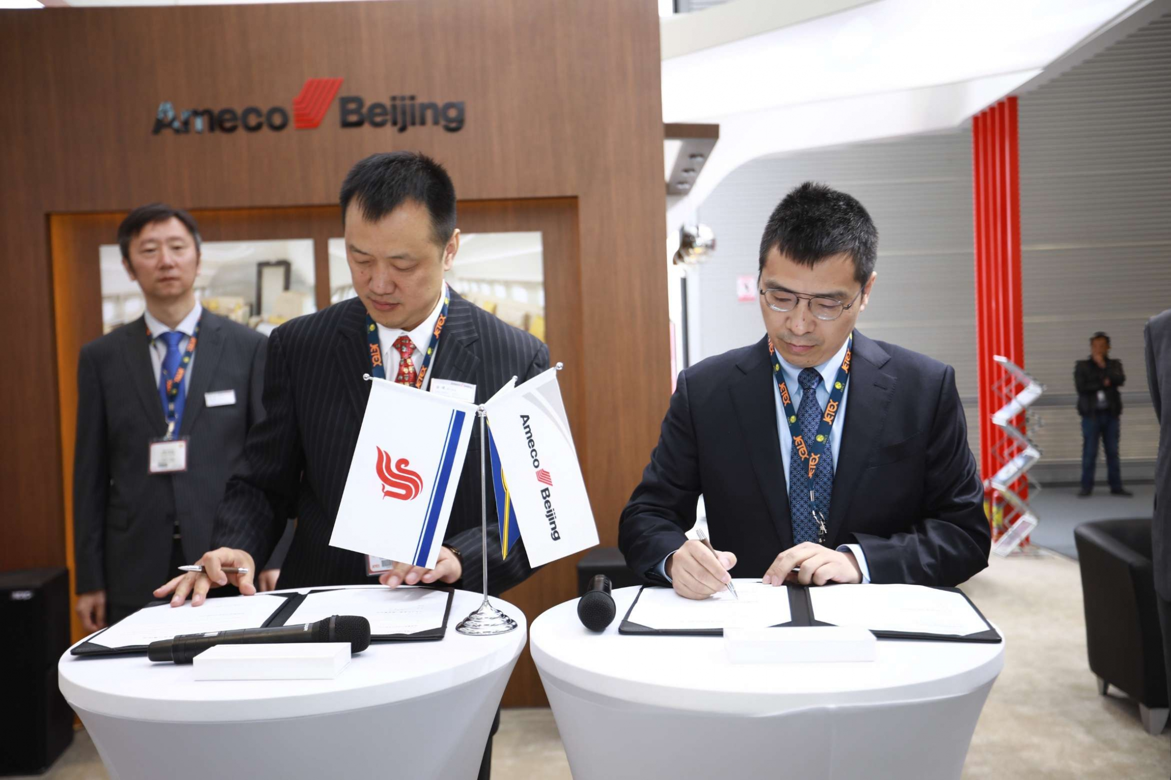 HK Bellawings signed a letter of intent for aircraft connectivity modification and an agreement on aircraft technical services with with Ameco._gaitubao_2342x1561 (1)
